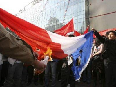 La France, tête à claques planètaire ? China_anti_french3